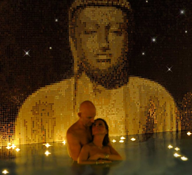 glasmozaiek Boeddha mozaïek tegels wellness kelder glass mosaic tiles Buddha swimming pool dream zen candles luxury private