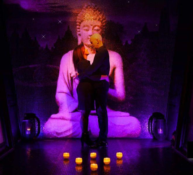 Boeddha glasmozaïek. (eigen)Liefde. Geluk. Een boeddha mag je jezelf cadeau geven op gevoel. Met een zuivere intentie. Spiritueel. Kunst. Glas mozaïek tegeltjes.