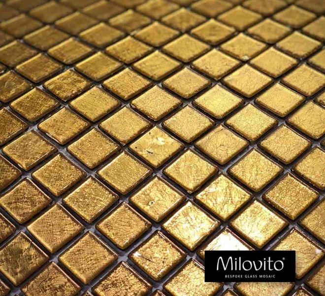 24 karaats geel goud glasmozaïek gefuseerd tussen 2 glaslagen