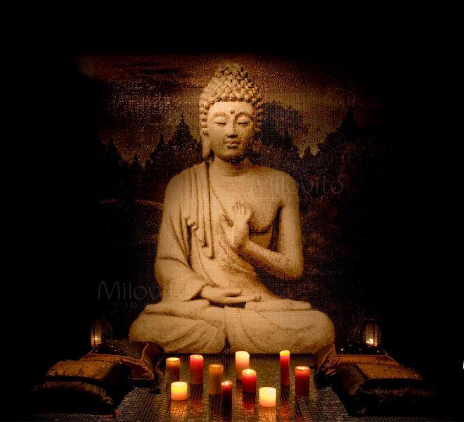 Een afbeelding van een Boeddha in glasmozaïek helpt u om te relaxen en op te laden. Milovito maakt alles op maat. Heeft u binnenkort ook zo'n prachtige wand?