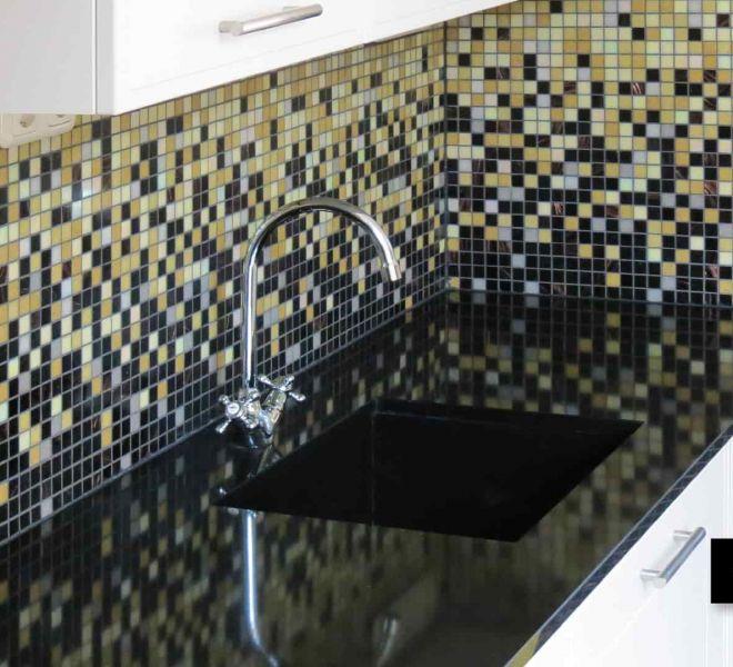 Mozaiek Tegels Keuken.Mozaiek Keuken Mooie Achterwanden Van Glasmozaiek Milovito
