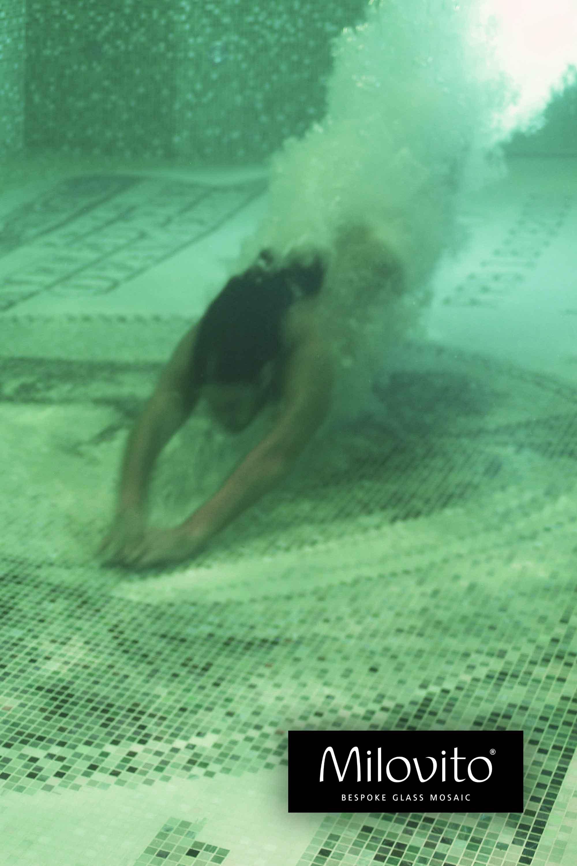 $ 100 dollar mozaiek tegels zwembad