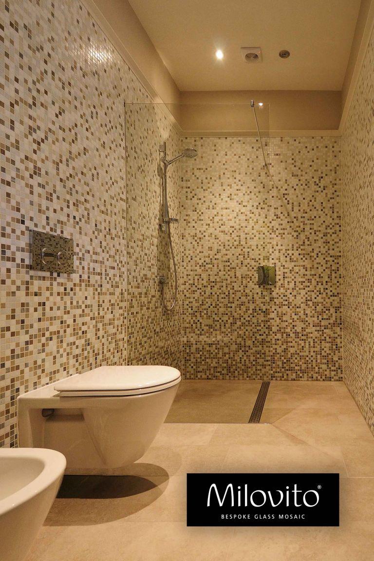 badkamer renovatie Amsterdam glas mozaïek tegels verloop