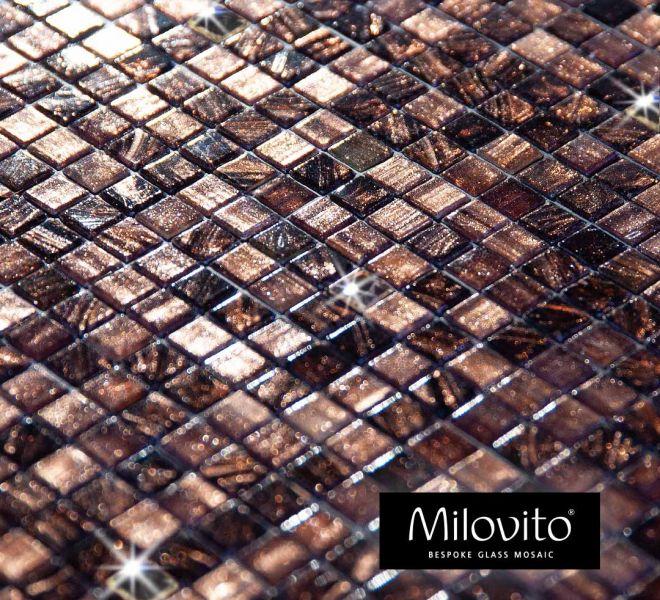 mozaiek tegels brons aubergine Swarovski wandafwerking wandbekleding toiletideeen toilet inspiratie ontwerp badkamer glasmozaiek bespoke maatwerk badkamerinspiratie architect