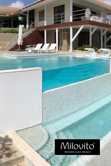 mozaiek zwembad onderwater raam Curacao