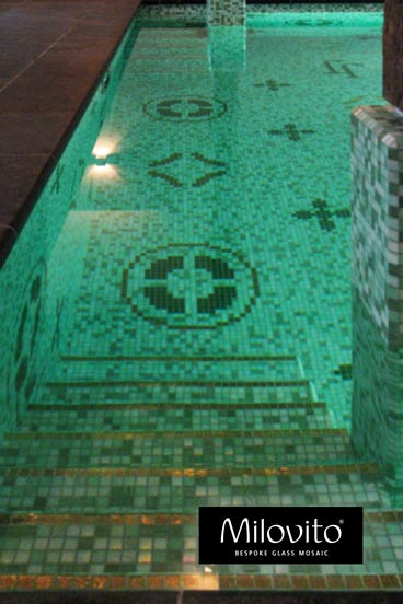 zwembadtrap mozaiek tegels